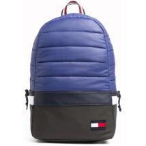 Tommy Hilfiger táskák és pénztárcák széles választéka. 9e8f3fe75f