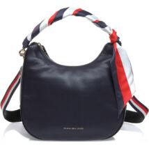 Tommy Hilfiger táskák és pénztárcák széles választéka. - 2. oldal b7fa06263a