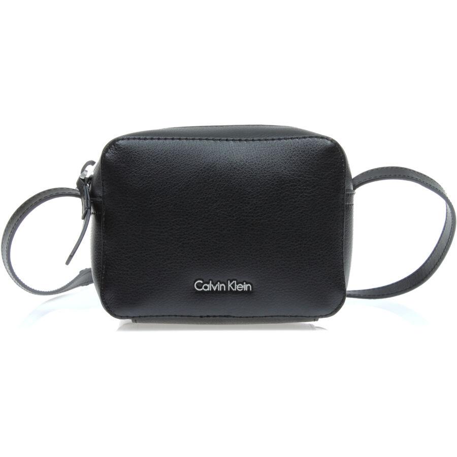 Calvin Klein CK Zone női kézitáska - Reálszisztéma Menedzser Shopok ... f741b0893a